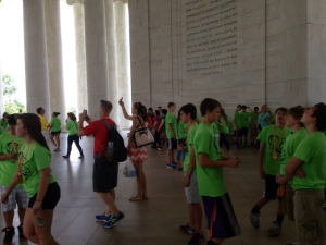 Middle School kids at Jefferson Memorial